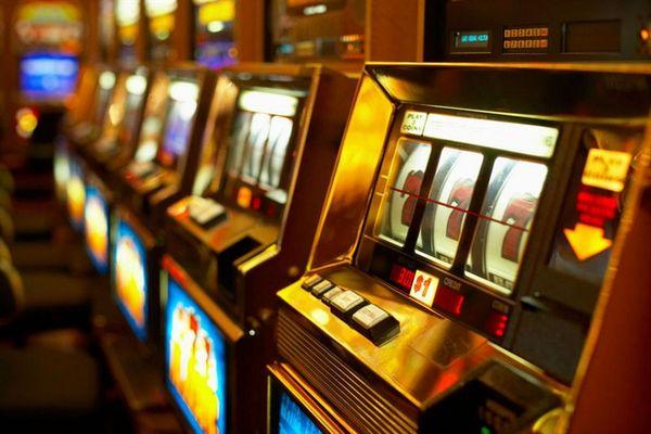 Играть в автоматы lucky drink черти